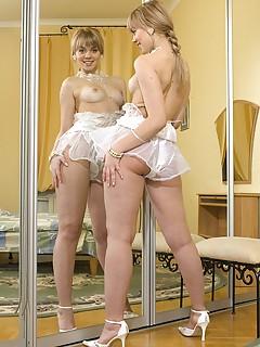 leggy schoolgirl