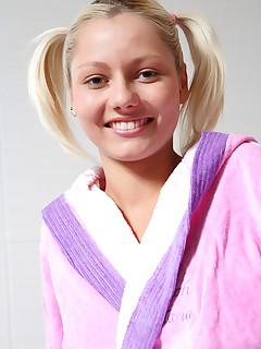 shaved schoolgirl